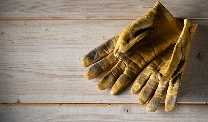 How-do-you-clean-smelly-work-gloves