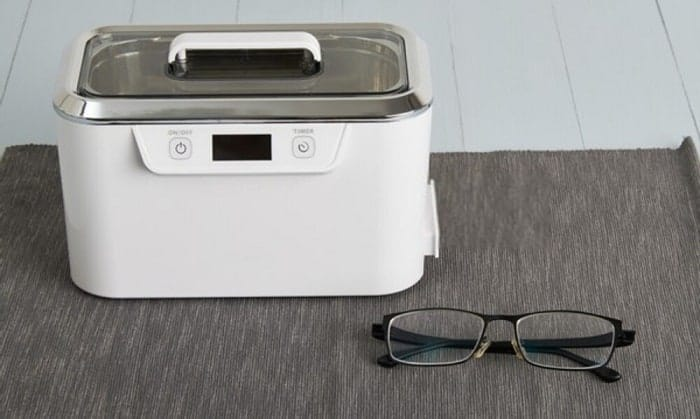 automatic-eyeglass-cleaner