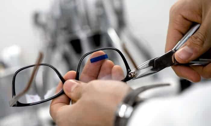 eyeglasses-repair-kit