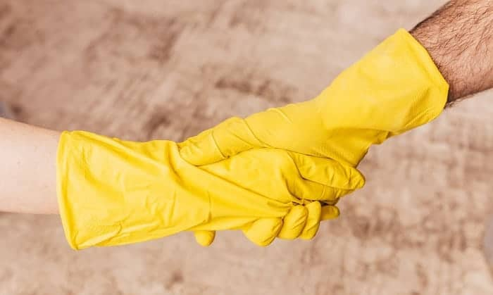 disposable-chemical-resistant-gloves