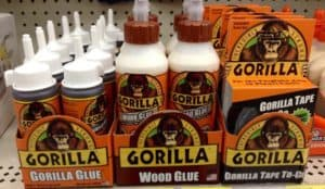 how to get gorilla glues off glasses