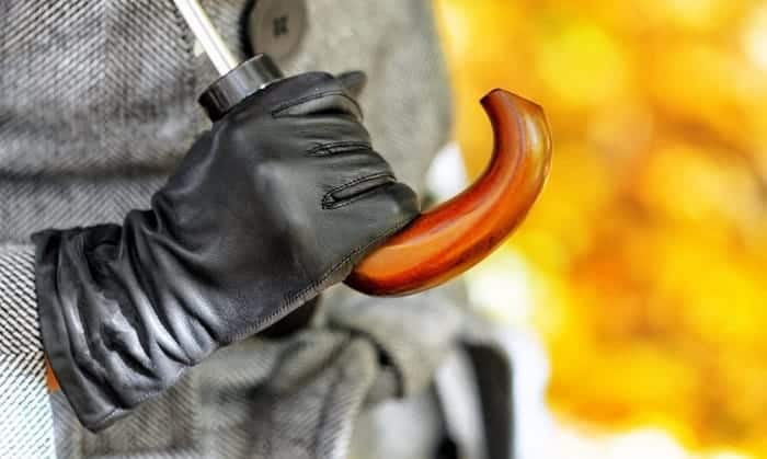 leather-glove-waterproofing