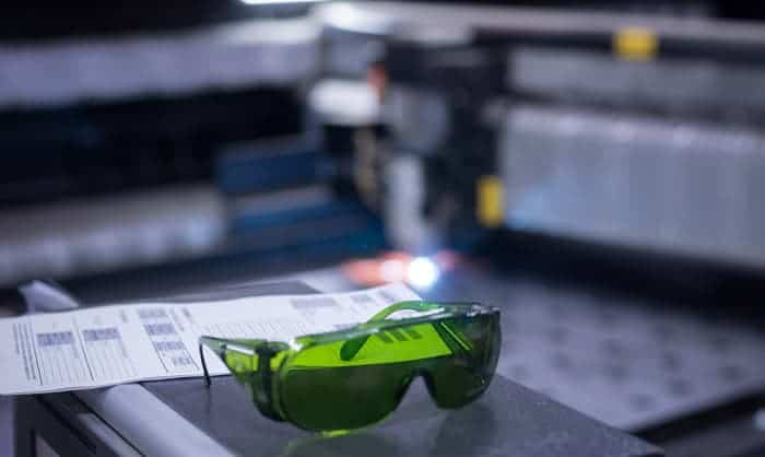 safety-glasses-for-lasers