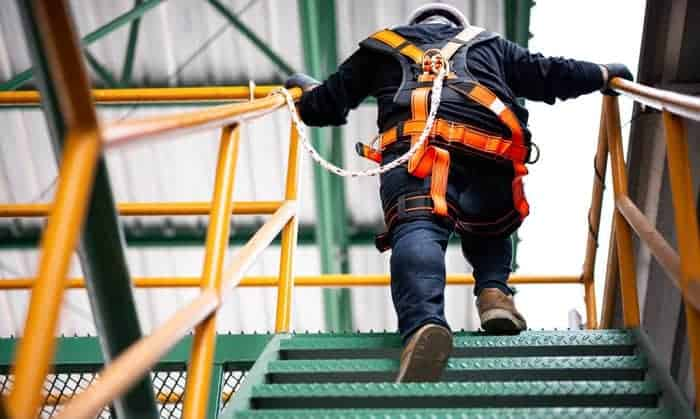 best safety harness for construction