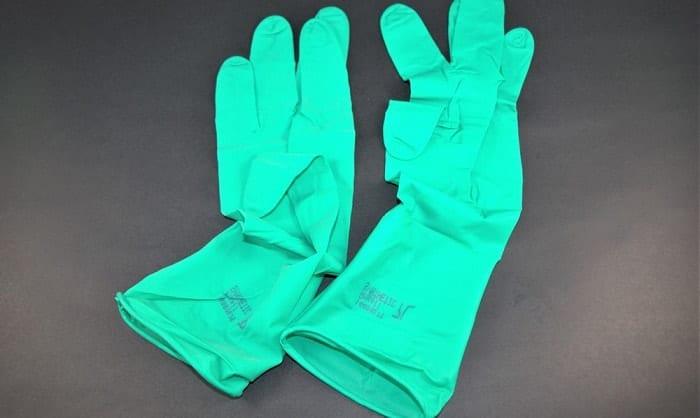 what are neoprene gloves