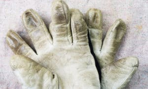 how to clean white leather gloves