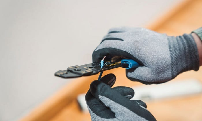 best-gloves-for-electrical-work