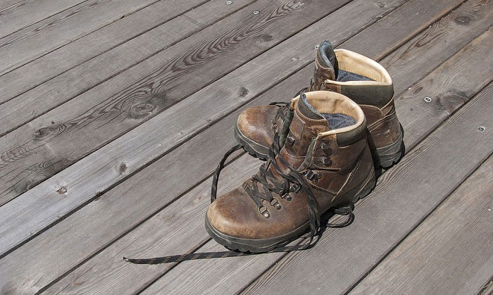 how much do steel toe boots weigh