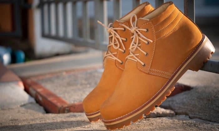 wedge-vs-heel-work-boots